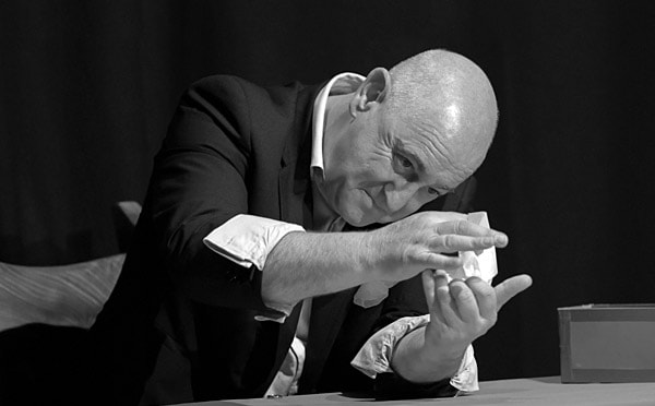 The Gentleman Magician - Bruce Glen - Edinburg Magic Festival
