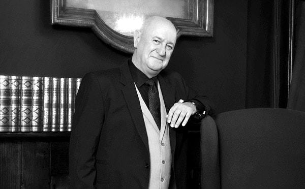 Gentleman Magician - Bruce Glen - Edinburg Festival